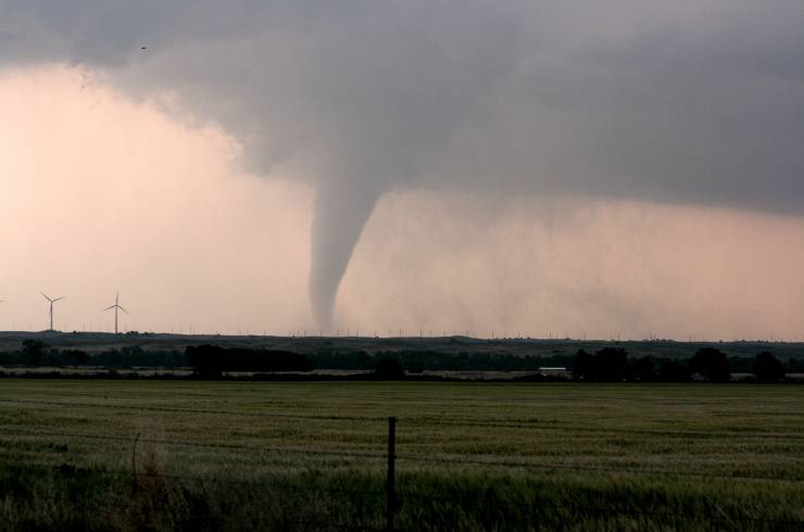 Las espectaculares imágenes de un tornado captadas por un dron